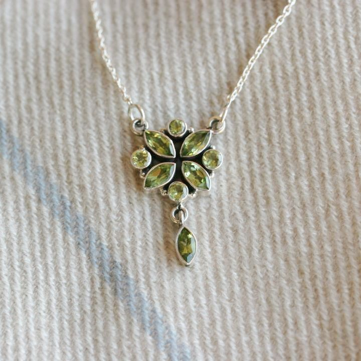 Peridot Flower Necklace - Peridot Silver Necklace